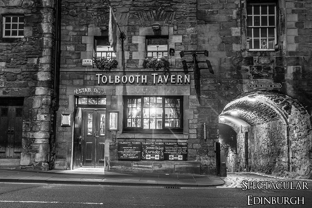 B&W Tolbooth from the Royal Mile - Spectacular Edinburgh Photography