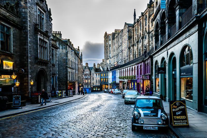 Mini on Victoria Street - Spectacular Edinburgh Photography