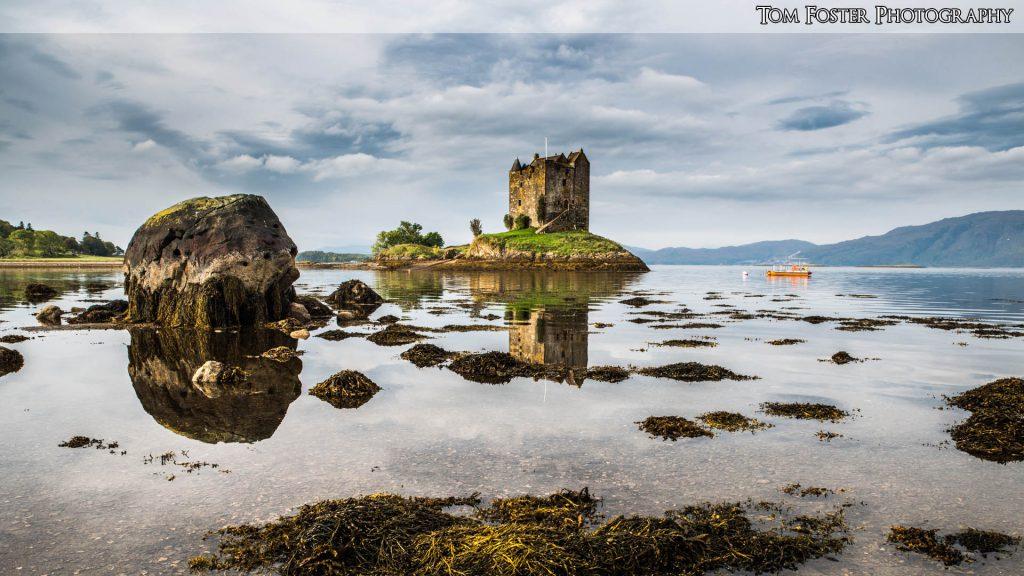 Wallpaper 15 - Castle Stalker - Spectacular Edinburgh Photography