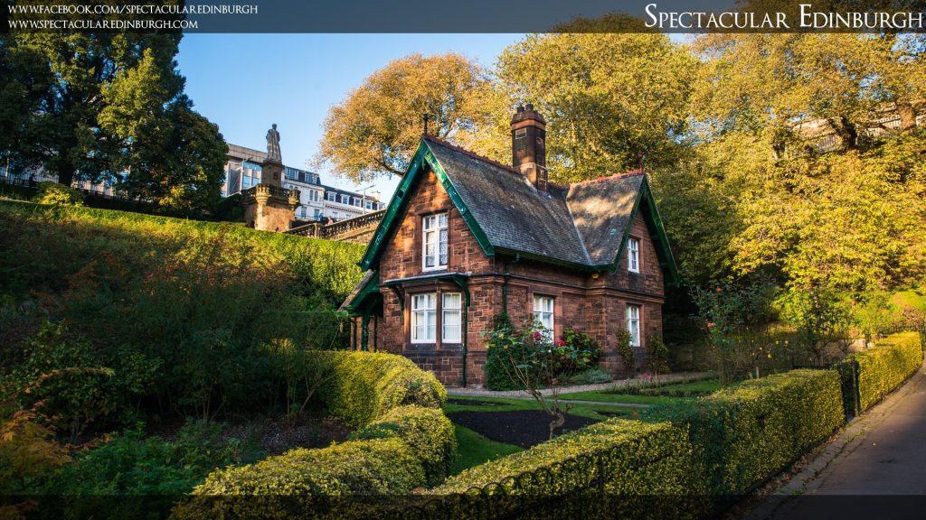 Wallpaper 5 - The Gardener's Cottage - Spectacular Edinburgh Photography