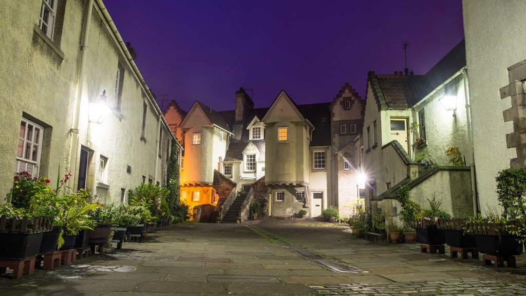 White Horse Close at Twilight - Spectacular Edinburgh Photography