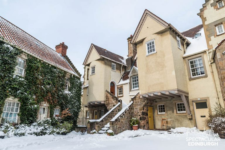White Horse Close in the Snow - Spectacular Edinburgh Photography