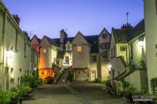 A peaceful evening at White Horse Close (at the bottom of the Royal Mile), #Edinburgh  ~~~ Tom 😀