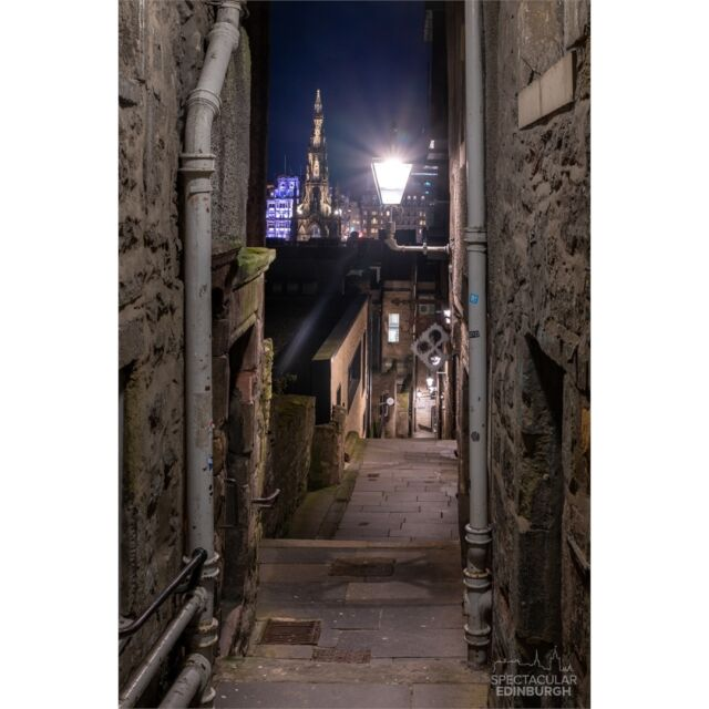 Advocate's Close, with a nice view of the Scott Monument, lots of little nooks and crannies like this in the Old Town, some with amazing views! What's your favourite 'close'?  ~~~ Tom 😀