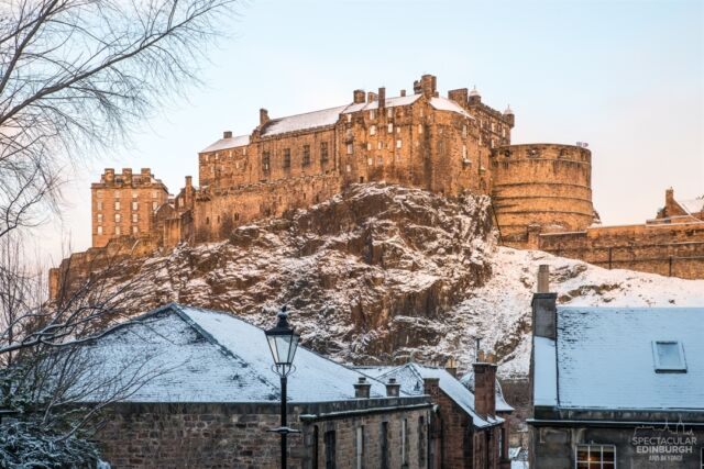 One of my favourite views of Edinburgh, a shot of the Castle from the Vennel- looks particularly nice in the snow! Are you looking forward to more wintery weather this year or not?  ~~~ Tom 😀